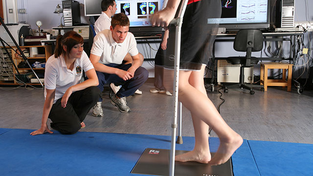 Researchers assess walking style of injured subject