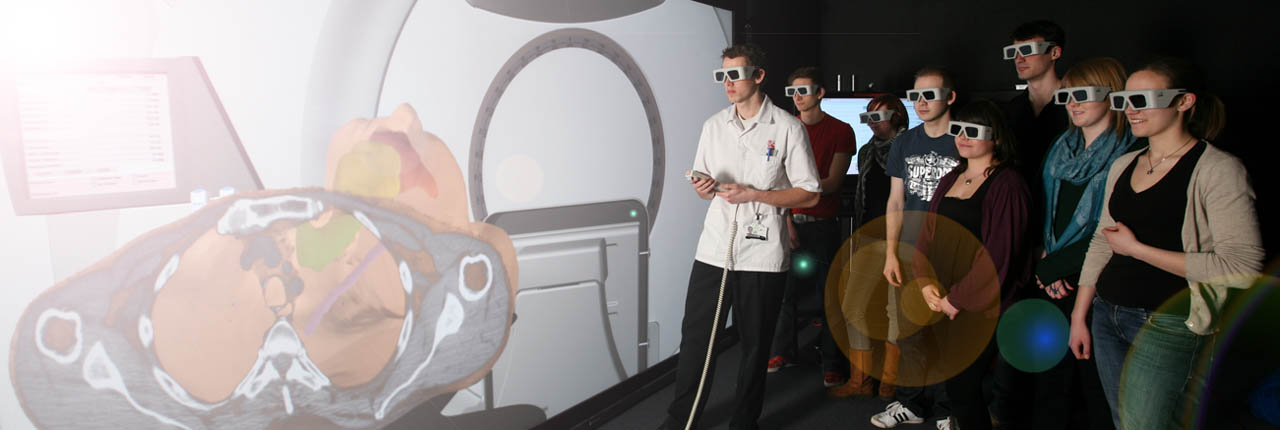 Students using the Virtual Linear Accelerator